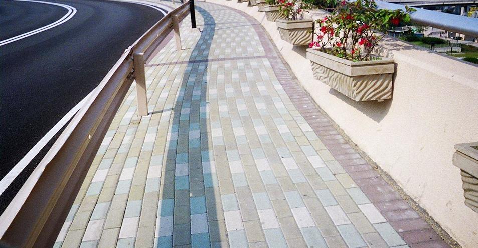 生态砖生产设备完善